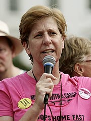 Cindy Sheehan, Stars Begin Hunger Strike