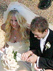 Avril Lavigne Marries Deryck Whibley | Avril Lavigne