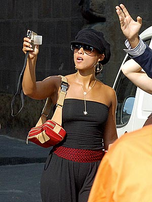 Alicia keys page 2 music chatter fan chitchat message boards