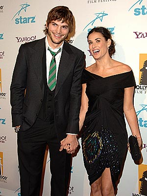 ashton kutcher and demi moore wedding pics. Moore was honored