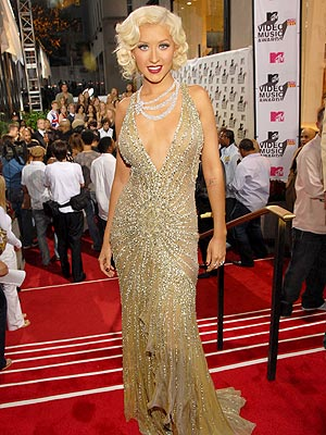 Wedding Dress on Tell Us  What Do You Think Of The Vmas Red Carpet      Style News