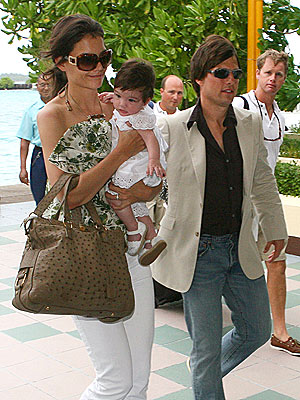tom cruise and katie holmes wedding pics. Is Tom Taking Fashion Cues