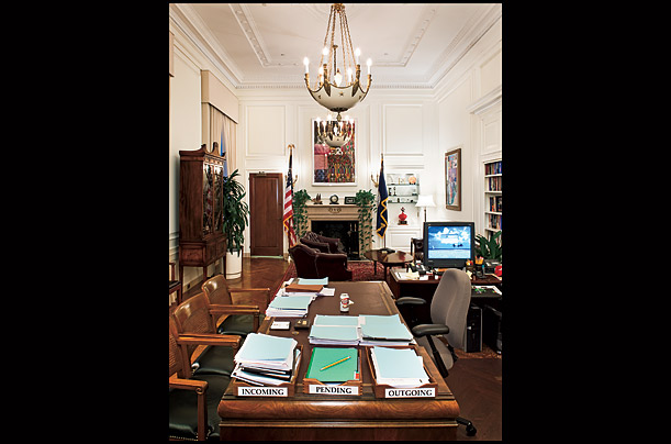 The World of Ben Bernanke A glimpse inside the rarified rooms in Washington where the Fed Chairman oversees the U.S. financial system Photographs by Dan Winters for TIME