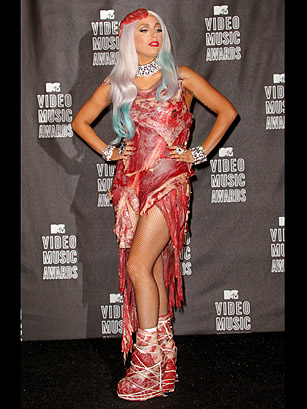http://img.timeinc.net/time/2010/50_top_10/top10_fashion_faux_pas1/fashion_faux_pas_gaga_meat.jpg