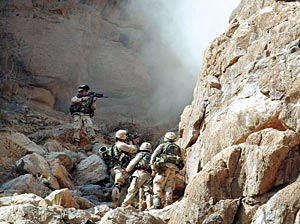 http://img.timeinc.net/time/asia/magazine/2003/0210/afghan_us_army.jpg