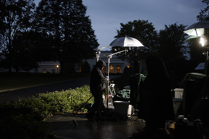An NBC crew prepares a segement outside the West Wing of the White House, October 19, 2007