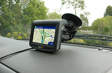Cat Dubbed Britains Bravest Pet Sleeping Dual Carriageway also findandfollow further Gps Stickers For Cars furthermore Advantages Disadvantages Cellphone Tracking 34399 additionally Why You Cant Track Your Stolen Gps. on gps tracking device for cars find