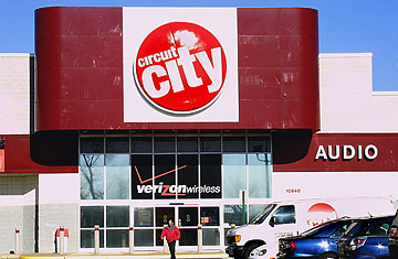 Why Circuit City Busted While Best Buy Boomed