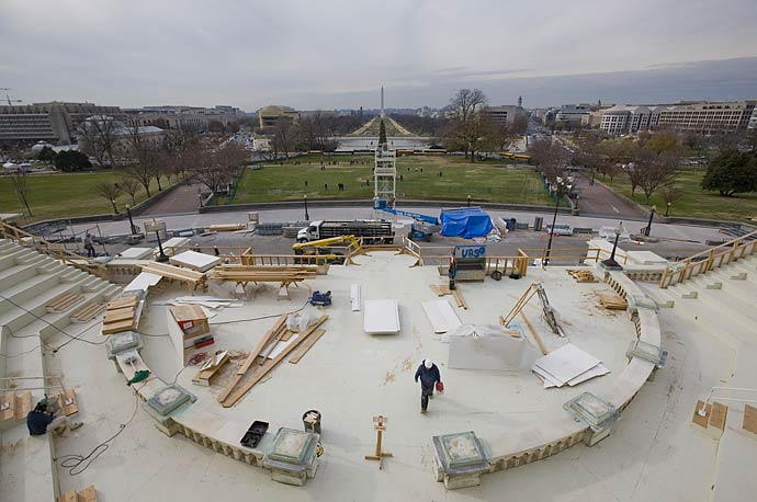 The inaugural platform is constructed in front of the Capitol in Washington. U.S. President-elect Barack Obama will be sworn in as the 44th U.S. President here on January