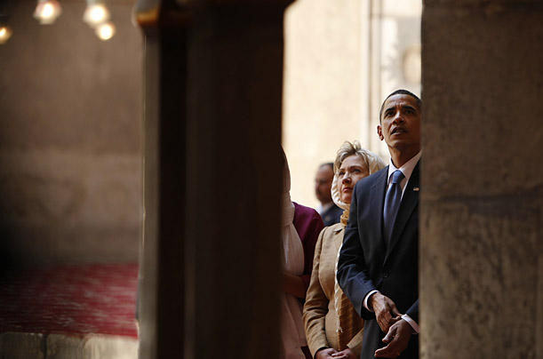 The President tours the Sultan Hassan Mosque with Secretary of State Hillary Rodham Clinton in Cairo