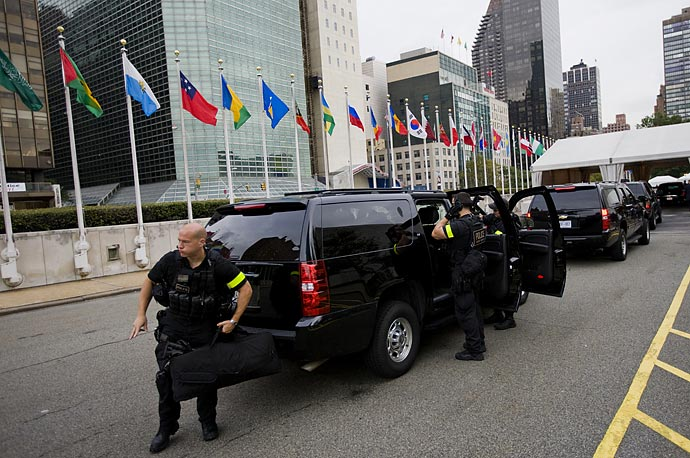Security staff working outside the United Nations Headquarters, after the arrival of President Obama.