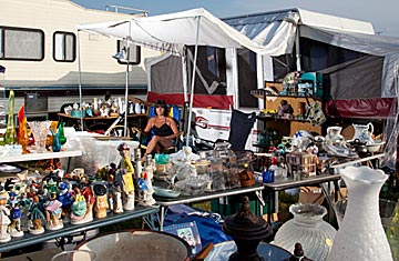 World\'s Longest Yard Sale in U.S. Shows Economic Despair - TIME