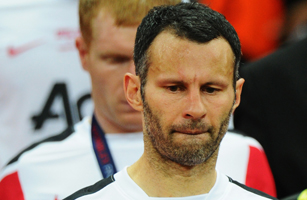 Ryan Giggs of Manchester United looks dejected after defeat in the UEFA Champions League final between FC Barcelona and Manchester United FC at Wembley Stadium on May 28, 2011 in London, England.