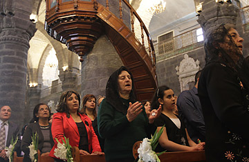 how many christians in syria