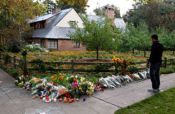 Steve Jobs: Silicon Valley Mourns the Death of a Founding Father - TIME
