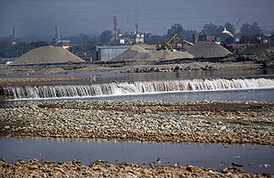 Intl_ind_pak_water_0413