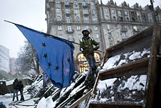 Kiev's Pro-West Protests Paralyze Ukraine
