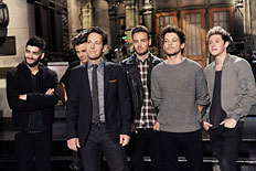 "SATURDAY NIGHT LIVE -- ""Paul Rudd"" Episode 1649 -- Pictured: (l-r) One Direction, Paul Rudd"