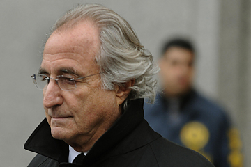 Bernard L. Madoff leaves the US Federal Court  January 14, 2009 after a hearing regarding his bail in New York.