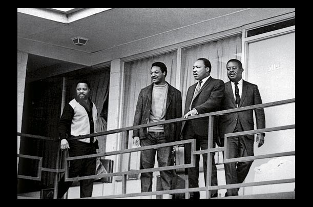 Rare photos of Martin Luther king Jr. at home