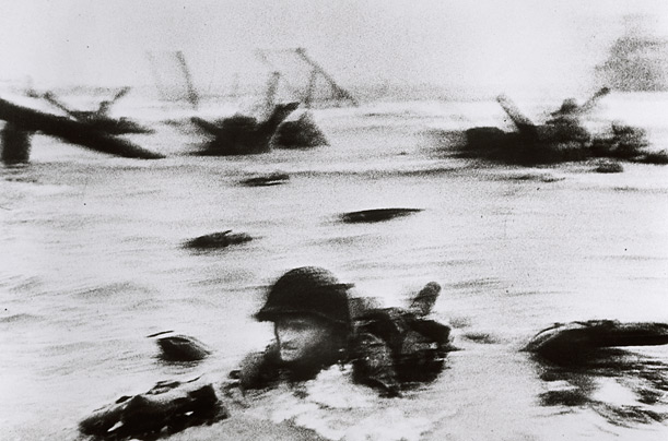 robert capa this is war exhibition international photography center new york magnum