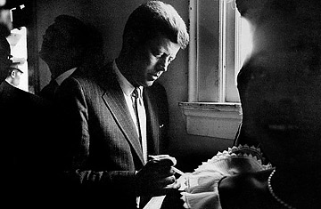 jfk essays In john f kennedy's book profiles in courage, he defines political courage as one's need to maintain his own respect for himself and because of his conscience, his personal standards of ethics that is stronger than the pressures of public disapproval and his course was the best one, that it out weighed his fear of public.