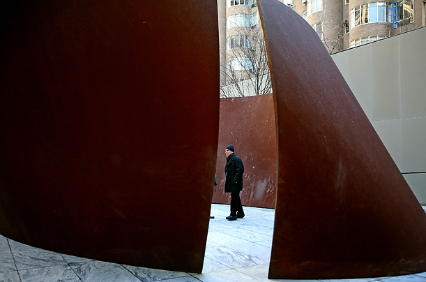 "The image ""http://img.timeinc.net/time/photoessays/2007/richard_serra/richard_serra_09.jpg"" cannot be displayed, because it contains errors."