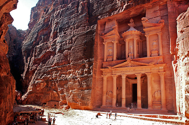 http://img.timeinc.net/time/photoessays/2007/wonders_a/petra.jpg
