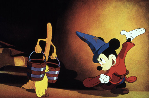 FANTASIA, Mickey Mouse as the Sorcerer's Apprentice, 1940.  Walt Disney / Courtesy: Everett Collection