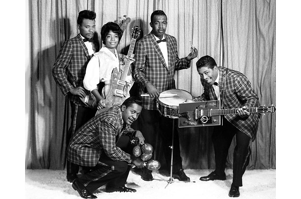 First called the Hipsters and later the Langley Avenue Jive Cats, they played the streets of Chicago until 1954, when the group made a demo for famed blues label, Chess Records.