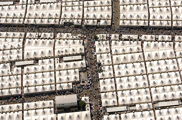 what is hajj essay Free hajj essay compare the muslim hajj with the jewish yom kippurbr br br  br september 08 2014br br andre key br br module 4 writing.