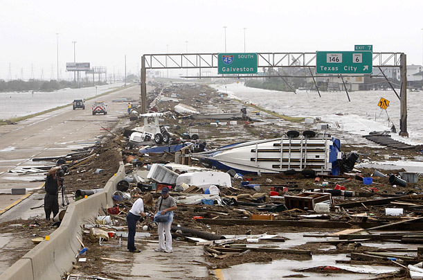 http://img.timeinc.net/time/photoessays/2008/hurricane_ike/hurricane_ike_22.jpg
