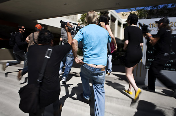 Shooting Back at the Paparazzi Photographer Nicolas Silberfaden tags along with the much-maligned photographers who chase the rich and famous