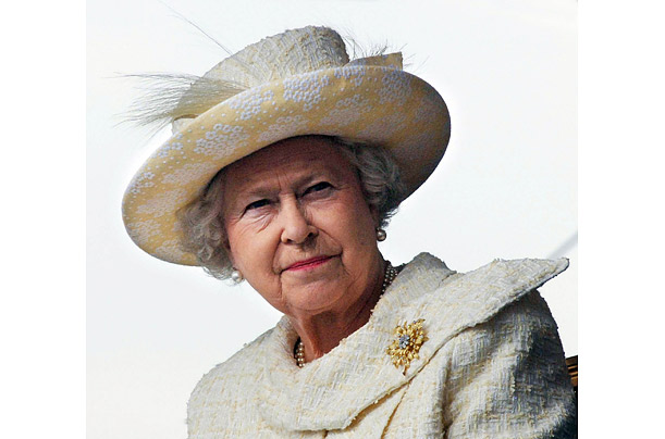 queen elizabeth portraits celebrates 82nd birthday royal highness
