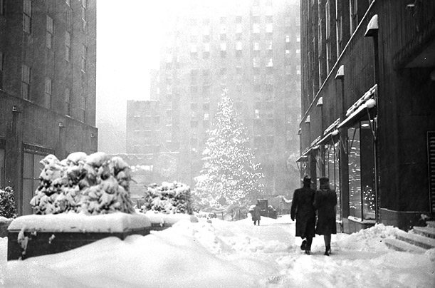 A Brief History of the Rockefeller Center Christmas Tree - Photo ...