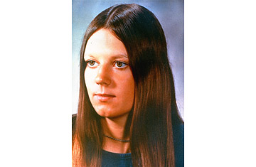 10 coma Karen Anne Quinlan coma since April, 1975 N.J. State Supreme Court ruled respirator keeping the 21-year-old woman alive may be disconnected if a panel of doctors concur