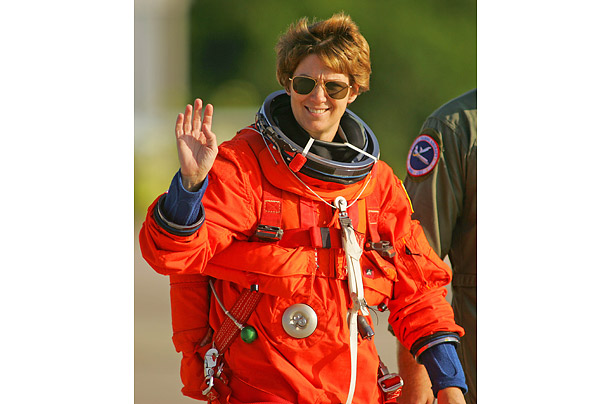 first female space shuttle commander - photo #10