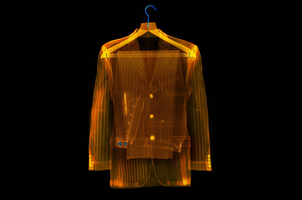 http://img.timeinc.net/time/photoessays/2008/xray/suit_xray.jpg