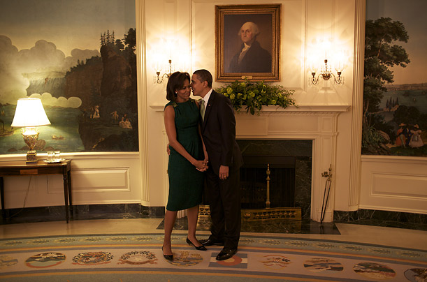Michelle and Barack wait for a meeting with Irish Prime Minister Brian Cowen.