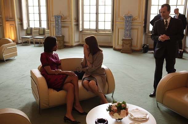 Michelle and Carla discuss the moment when Michelle put her arm around the Queen, a breach of royal protocol.