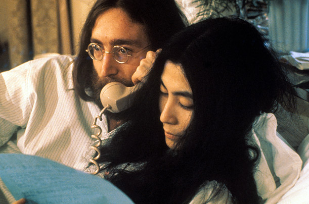 Because of their well known proclivity for appearing in the nude, the press assumed that Ono and Lennon would have sex in front of the cameras.