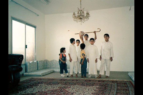 http://img.timeinc.net/time/photoessays/2009/bin_laden_family/bin_laden_family_08.jpg