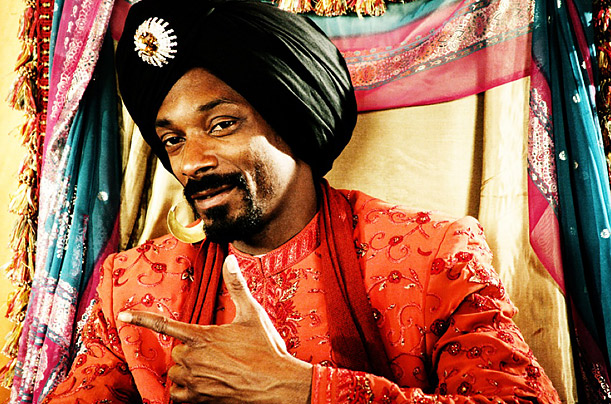 In 2008 rap star Snoop created rap song for the Bollywood movie Singh Is Kinng (ital), further