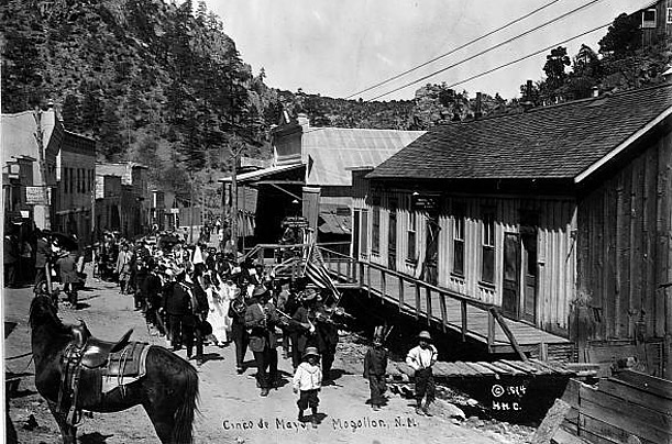 In this 1914 photo of a Cinco de Mayo parade in a small New Mexico town, Mexican Americans proudly celebrate their heritage.