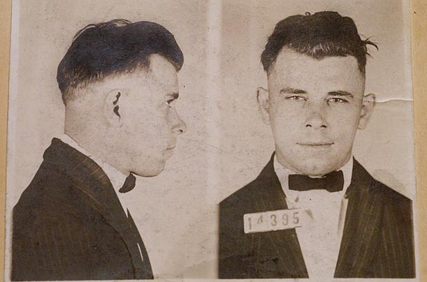 Dillinger was first arrested at the age of 21. Charged with robbing a grocer, Dillinger decided to confess, figuring that it would