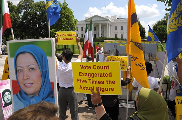 Members of the Iranian community protest in front of the White House.