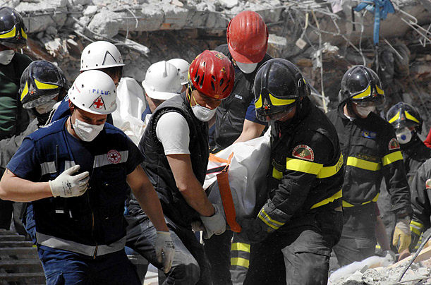 deadly earthquake rocks photo essays time  earthquake l aquila central rome