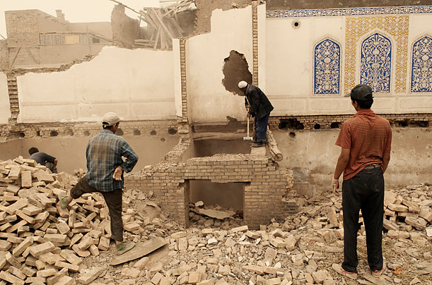 Cultural Demolition of Kashgar, China uighurs uyghurs ancient Silk Road city is threatened by Chinese modernization