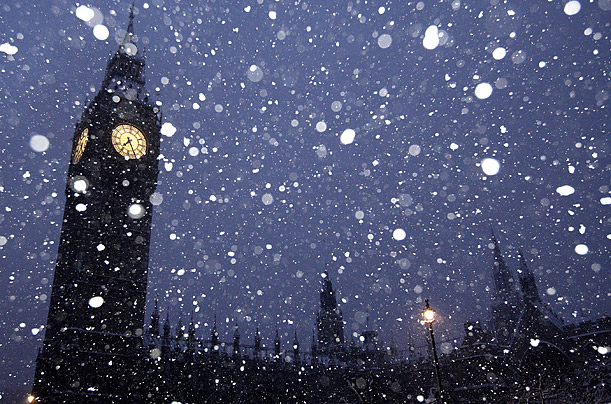 London snow fall winter weather UK England Great Britain