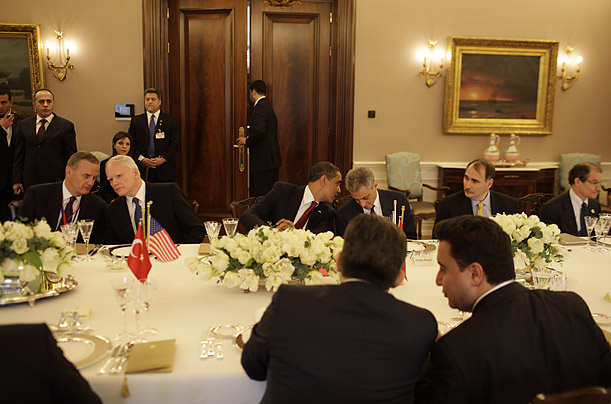 The President and his chief of staff Rahm Emanuel share a word during working lunch with Turkish President Gul and the Turkish Delegation at the Cankaya Palace in Ankara.